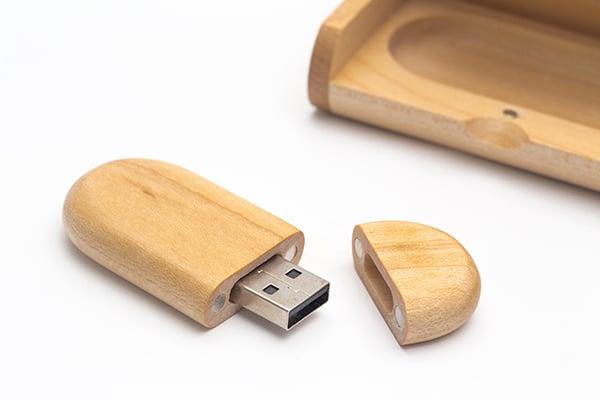 Wood memory stick - thumb drive ban